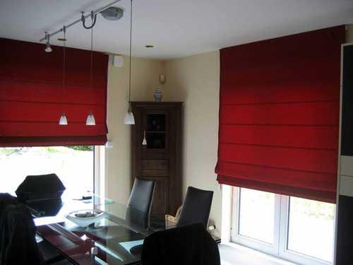 store bateau de toile occultante de couleur rouge